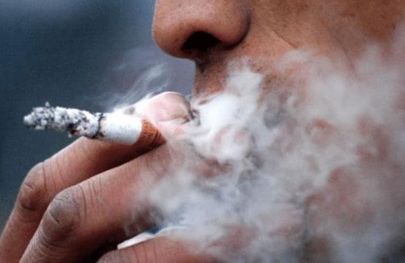 """""""老烟枪""""患全球罕见双突变肺癌,美国专家这样说"""