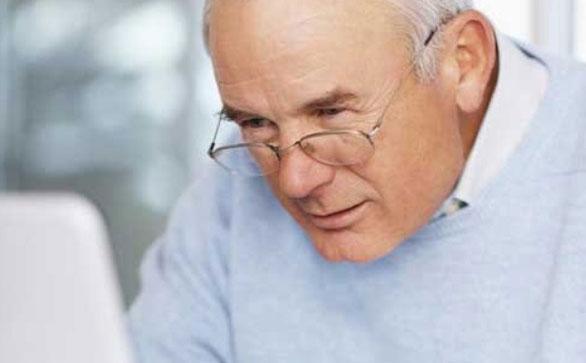 """以为是""""老花眼"""",竟是这种致盲眼病!美国专家远程诊断!(附自测方法)"""