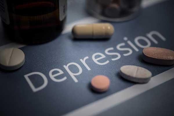 老药新用丨这种老药单用,有望减少抑郁症患者轻生念头